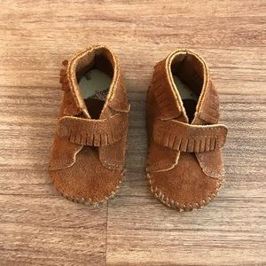 Minnetonka Baby Booties Suede Moccasins 2 Brown